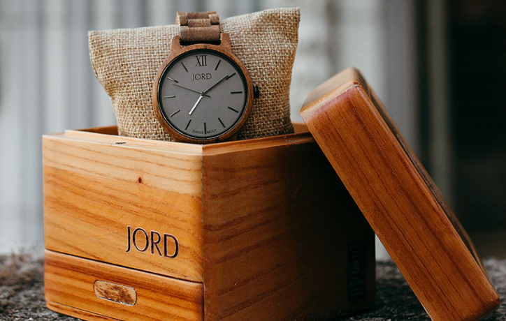 Finding the Perfect Gift For Your Spouse - Jord Watches #woodwatch #jordwatch #nurturingmarriage