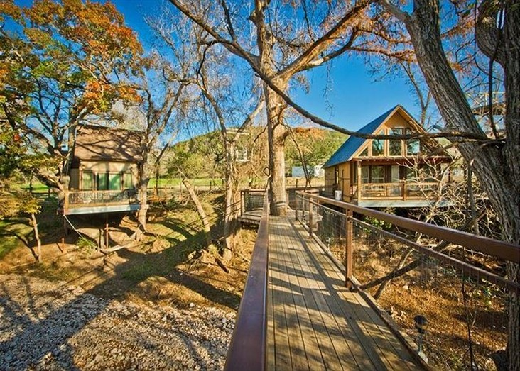 RiverRoad Treehouses - awesome for a romantic getaway!